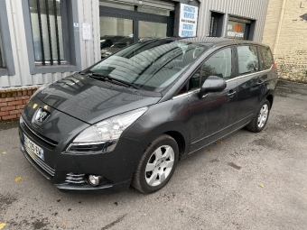 <strong>PEUGEOT 5008</strong><br/>1.6 e-HDi 112ch BMP6  Business 7pl