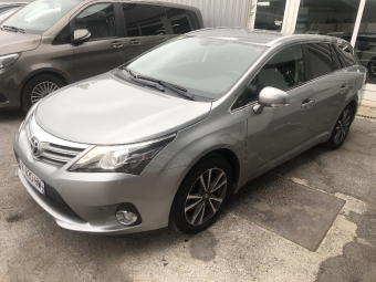 <strong>TOYOTA AVENSIS SW</strong><br/>124 D-4D Style