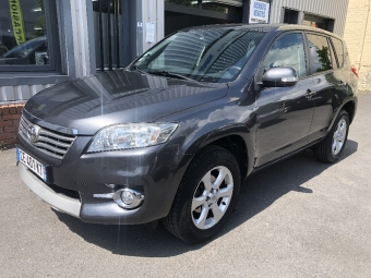 <strong>TOYOTA RAV4</strong><br/>150 D-4D 2WD FAP Lounge