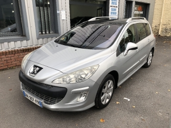 <strong>PEUGEOT 308</strong><br/>SW 1.6 HDi 110ch  BVM6 BLUE LION Confort Pack